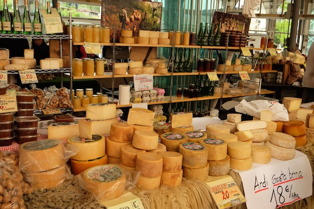 Cheeses in the Tolosa market