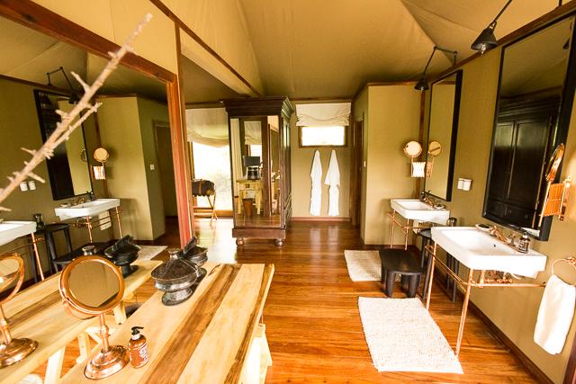 Mwiba Lodge bathroom