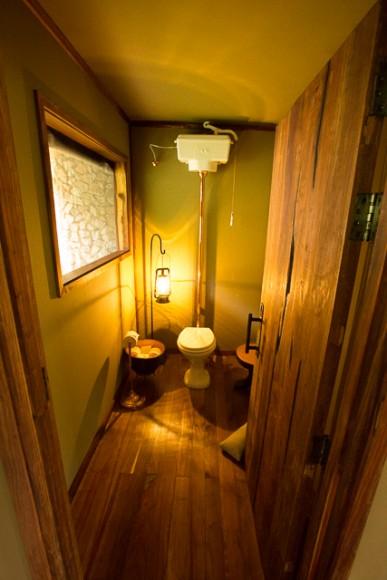 Mwiba Lodge toilet