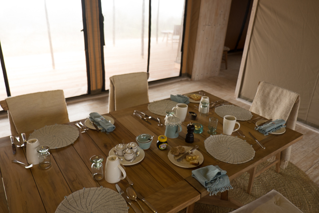 Entamanu Camp dining table