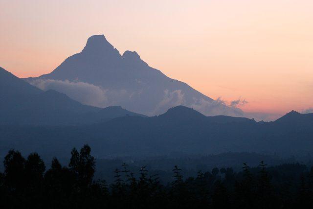Rwanda_2122-2 Karisimbi