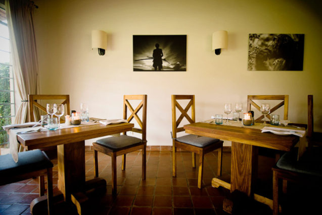 Katambuga House dining